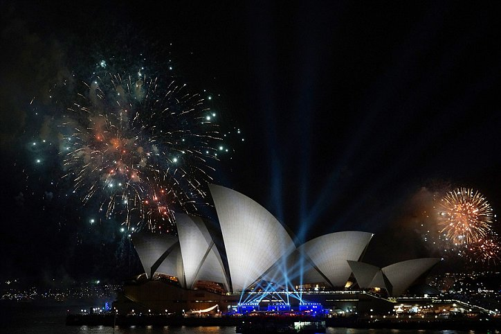 sydney fireworks, sydney opera house fireworks, new years eve fireworks sydney, quay, quay cocktail food, quay cocktail menu, quay canapes, quay canape menu, sydney opera house view, venues with view of sydney opera house, cocktail party, cocktail party ideas, furniture hire, decor hire, styling hire, quay, quay events, sydney cocktail party venues, event designers, event stylists sydney, cocktail furniture hire, costume hire, party ideas, party costumes, event stylist, sydney event stylist